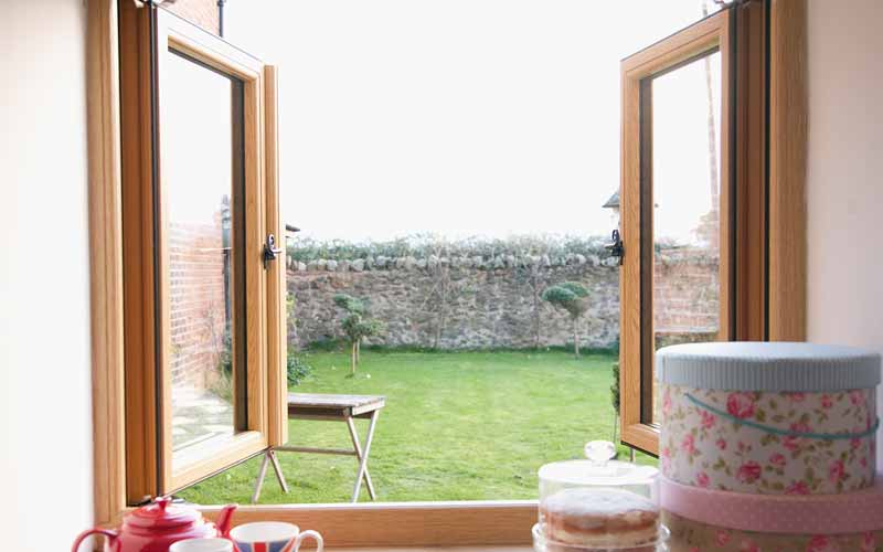 Traditional flush sash window